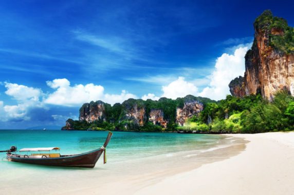 Top 5 Amazing Cities with Beaches in the World