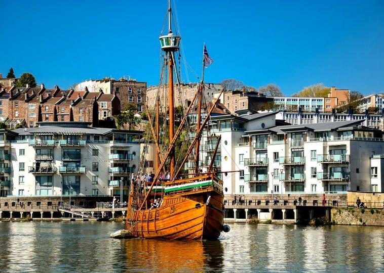5 Great Places to See and Visit in Bristol, England