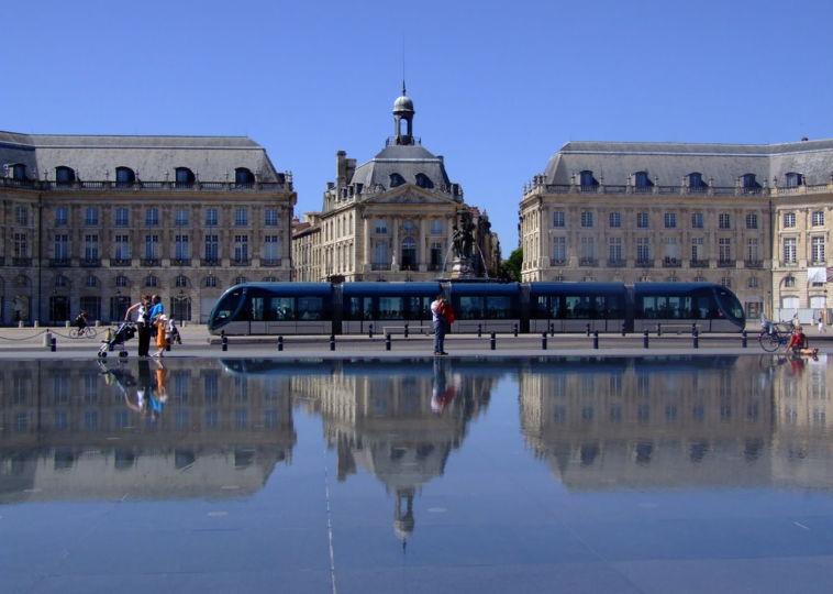 Visit the Miroir D and #039;eau