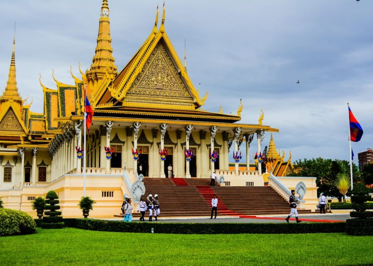 Top 8 Marvelous Royal Palaces in the World