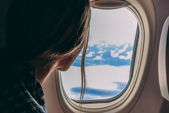 5 Must Have Travel Essentials You Need for Your Flight