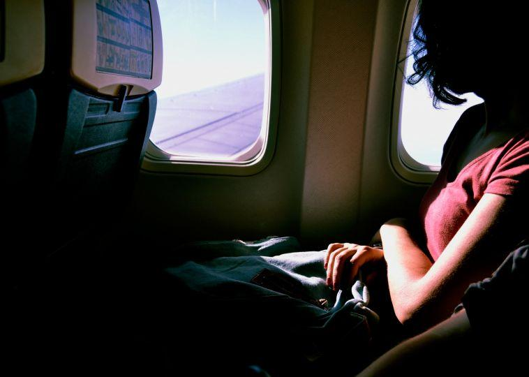 5 Tricks to Sleep Better on Planes