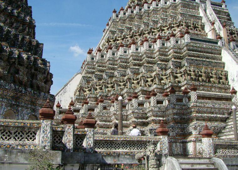 Visit Wat Arun
